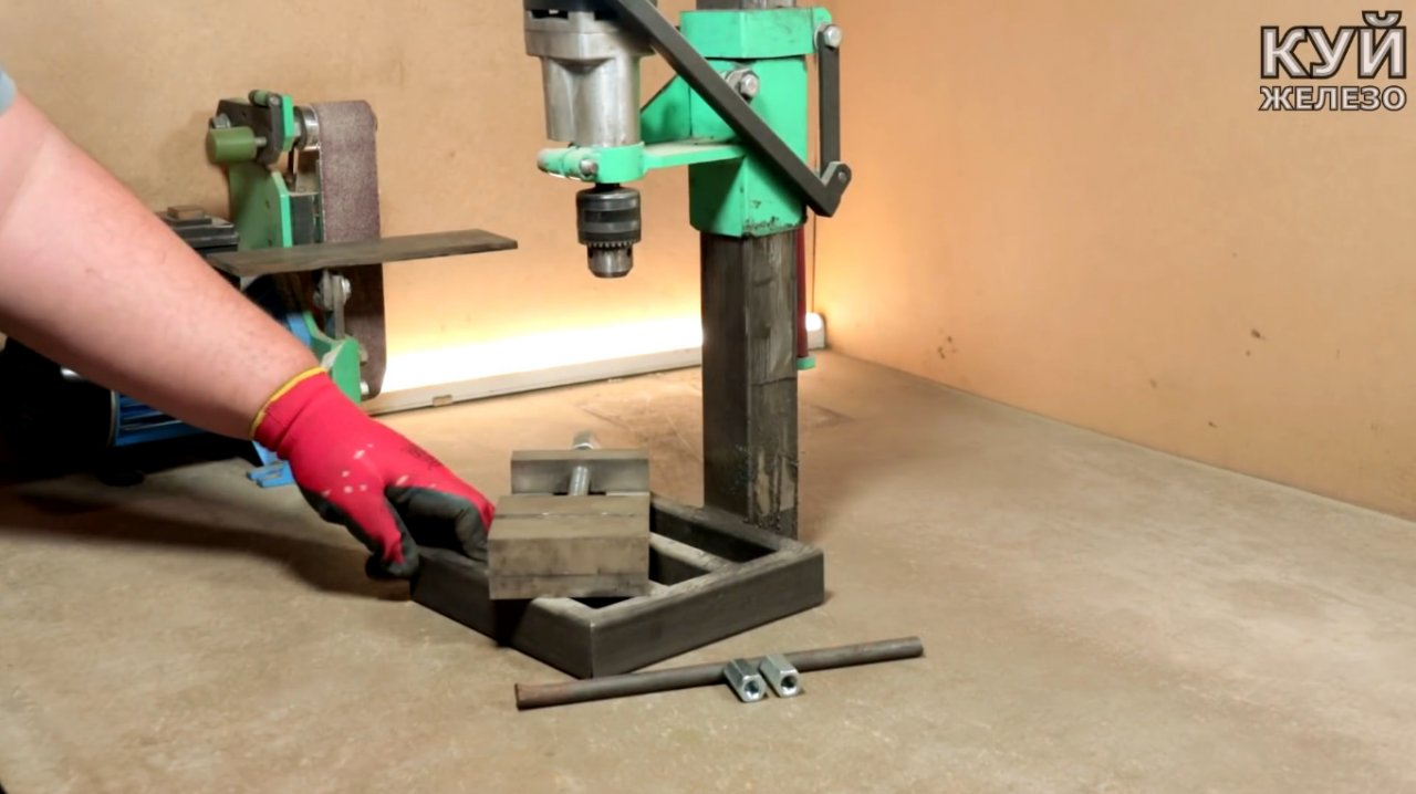 Electric tool & mdash; attachment for the grinder with your own hands