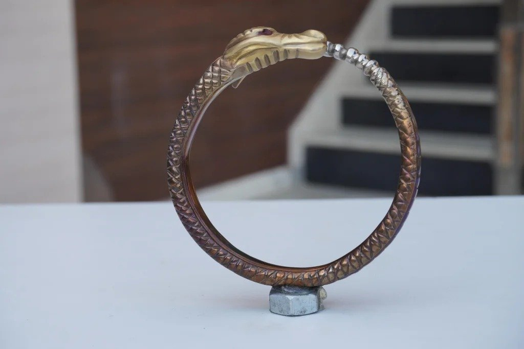 Stainless steel painting technique