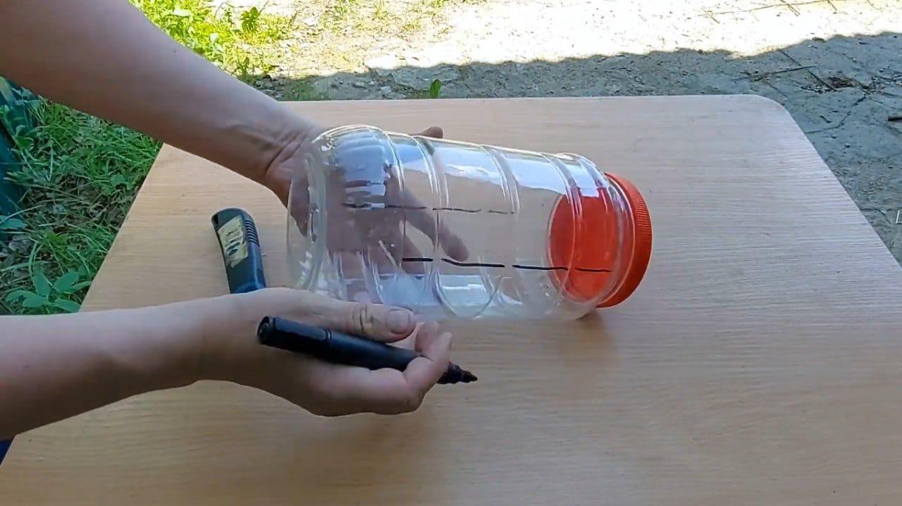 Делаем простой механический отпугиватель кротов и птиц (без батареек)