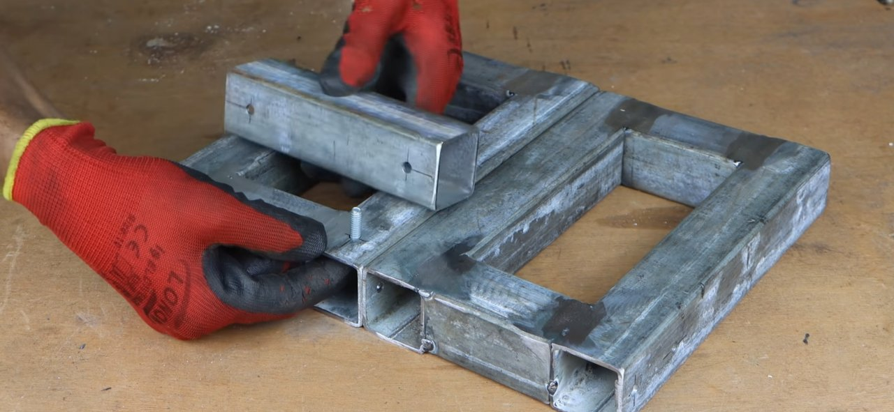 'Clamp vise' with an adjustable angle of inclination with your own hands
