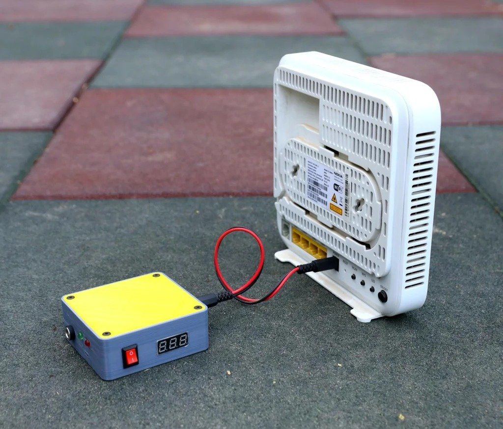 Uninterruptible power supply for Wi-Fi router