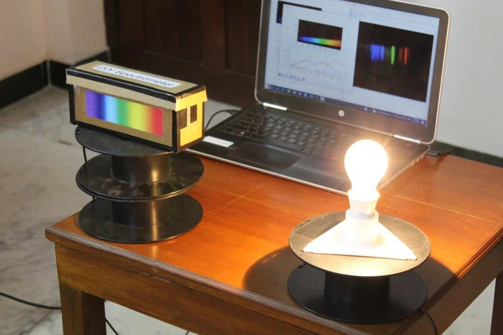Inexpensive do-it-yourself spectrometer