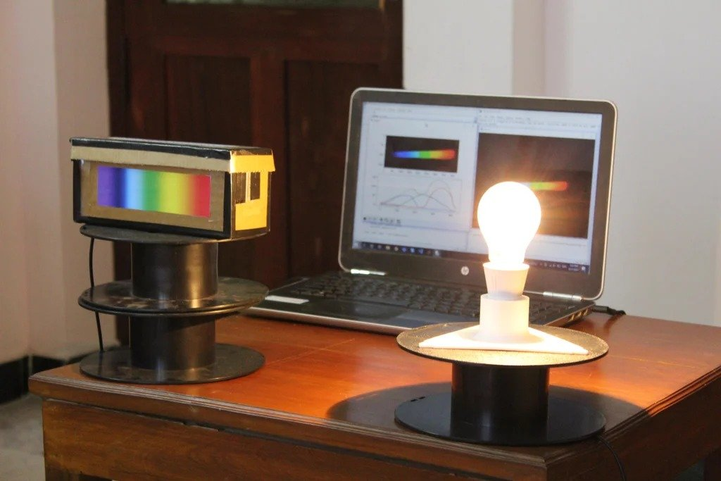 Do-it-yourself inexpensive spectrometer