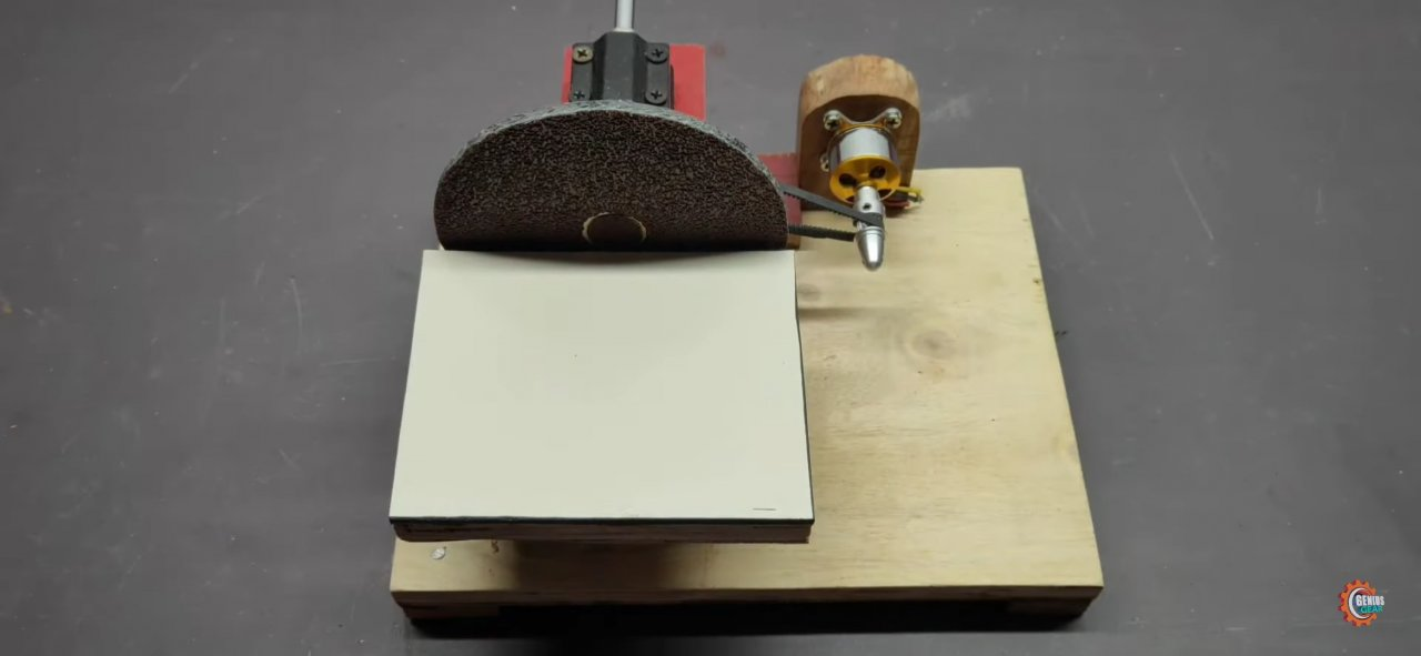 A compact grinding machine from available tools on a brushless electric motor.