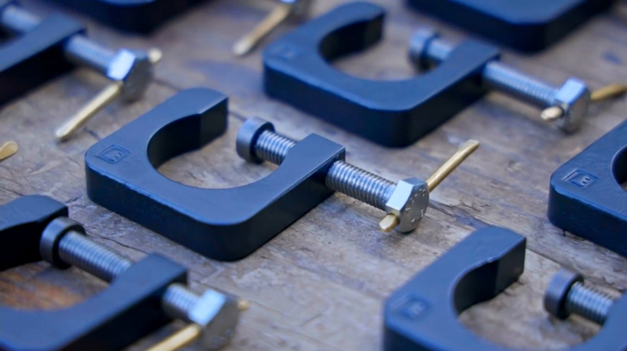 Making G-shaped mini-clamps from metal (without welding)