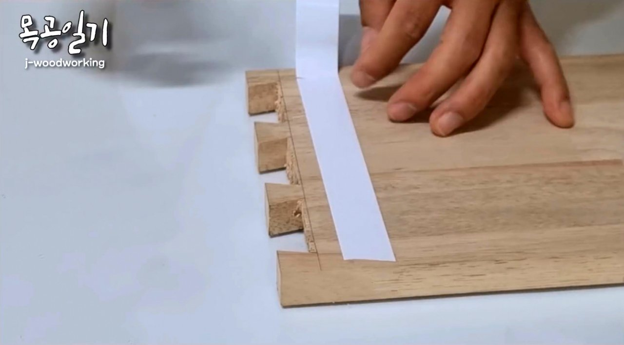 DIY magnetic dovetail cutting guide