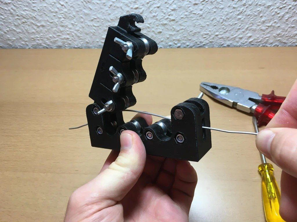 Wire straightener
