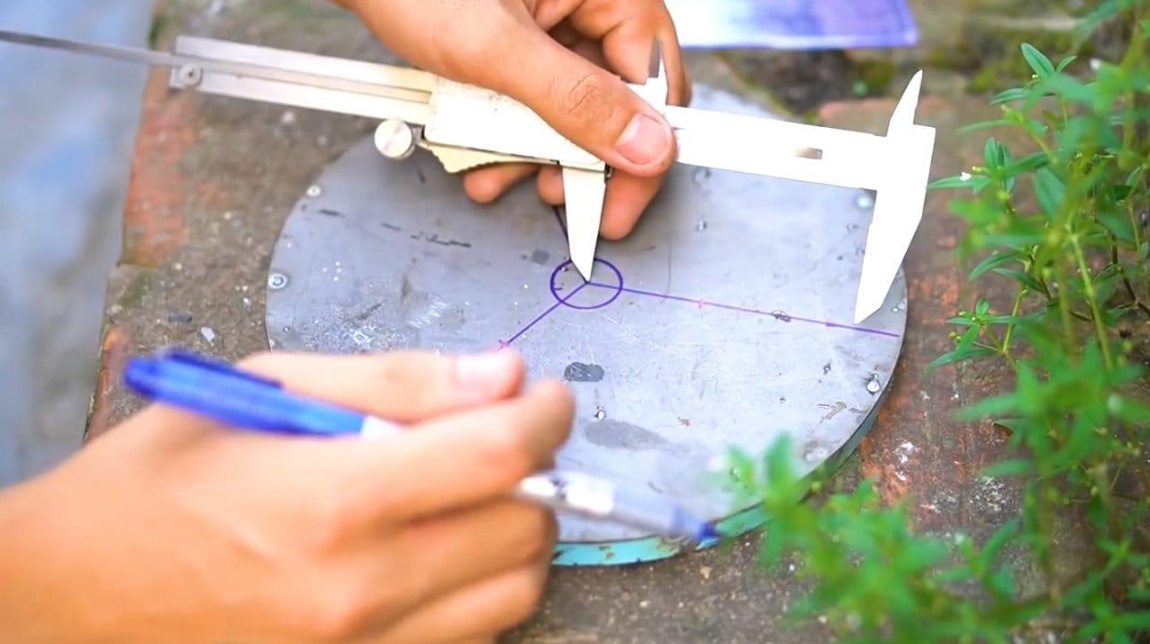 Assembling a simple wind turbine