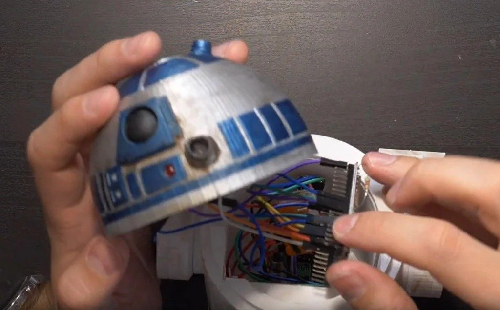 Timer + clock in the form of a robot R2-D2