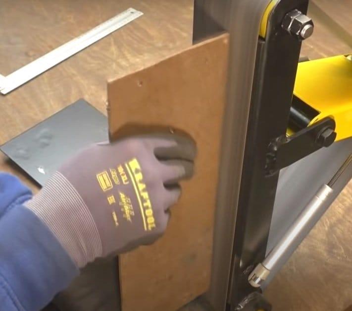 Scrap metal grinder