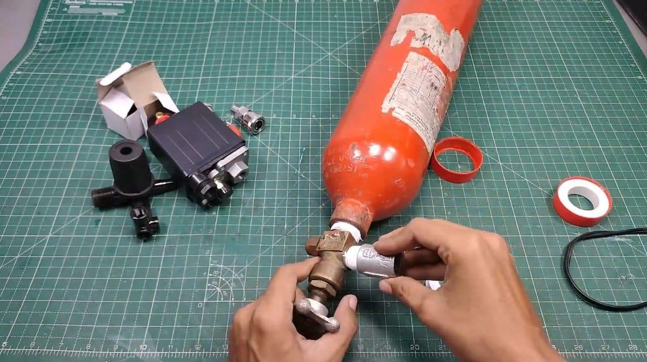 Making a receiver for a car compressor