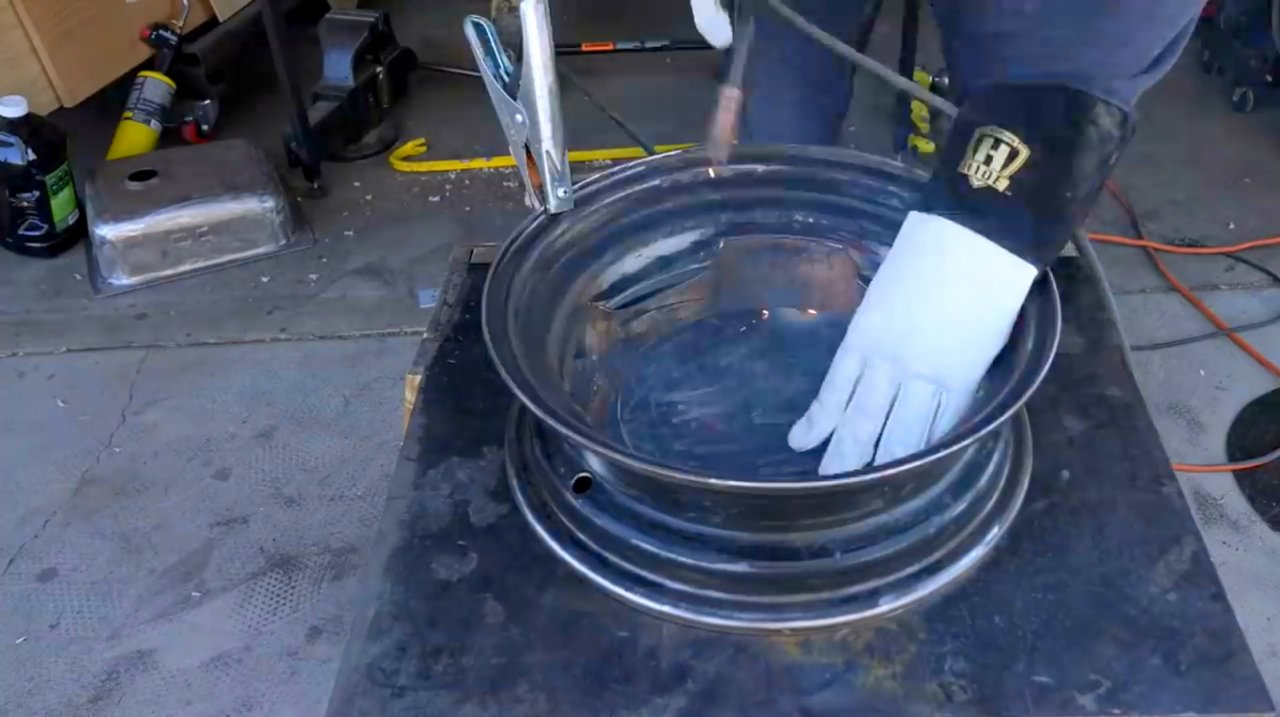 How to make a hearth out of wheel disks