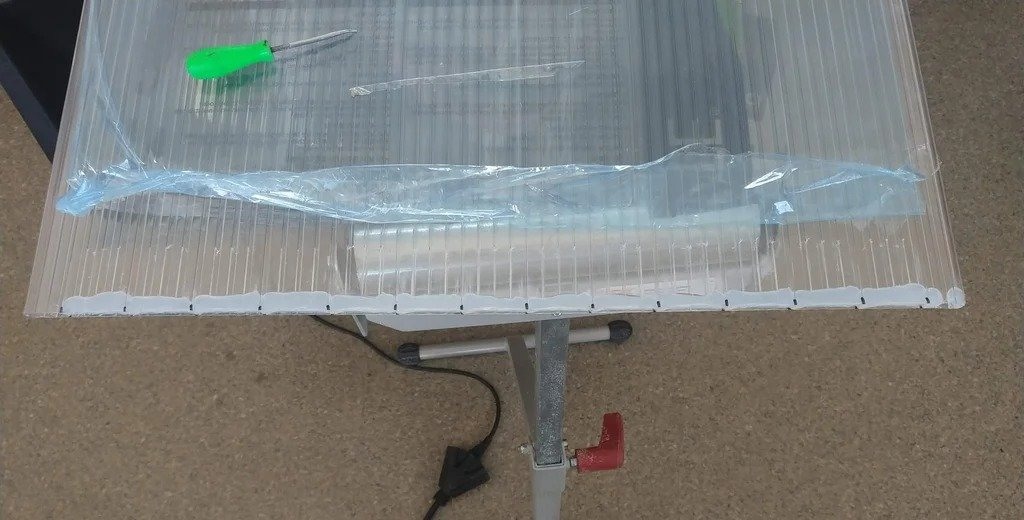 Efficient and inexpensive solar pool heater