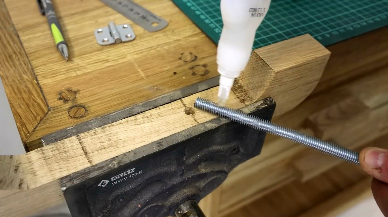 Making simple C-shaped clamps with elongated jaws