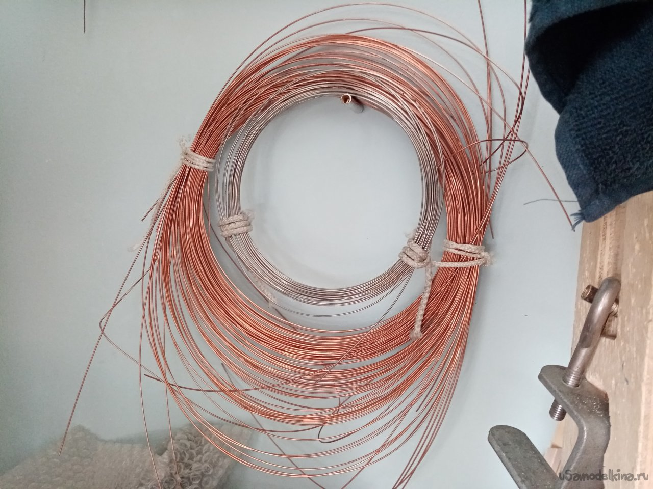 Straighten the wire and make bowdens for the glider model