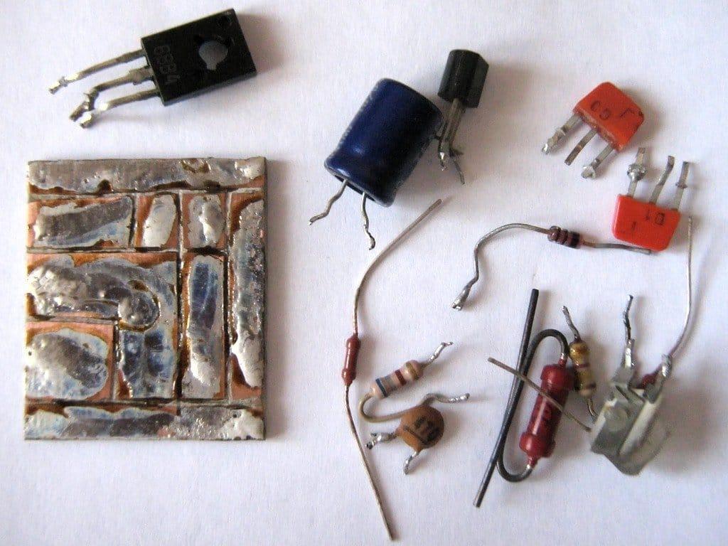 Low voltage dropout regulator (LDO)
