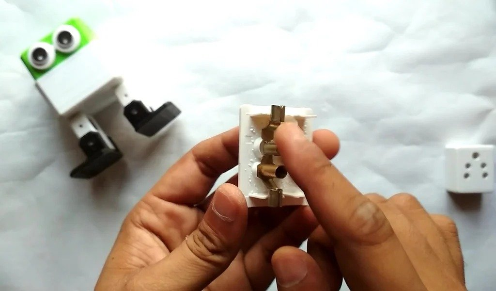 We make from an ordinary socket -
