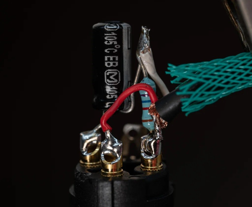 First order ambisonic microphone