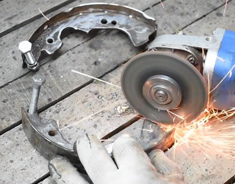Brake pad remover