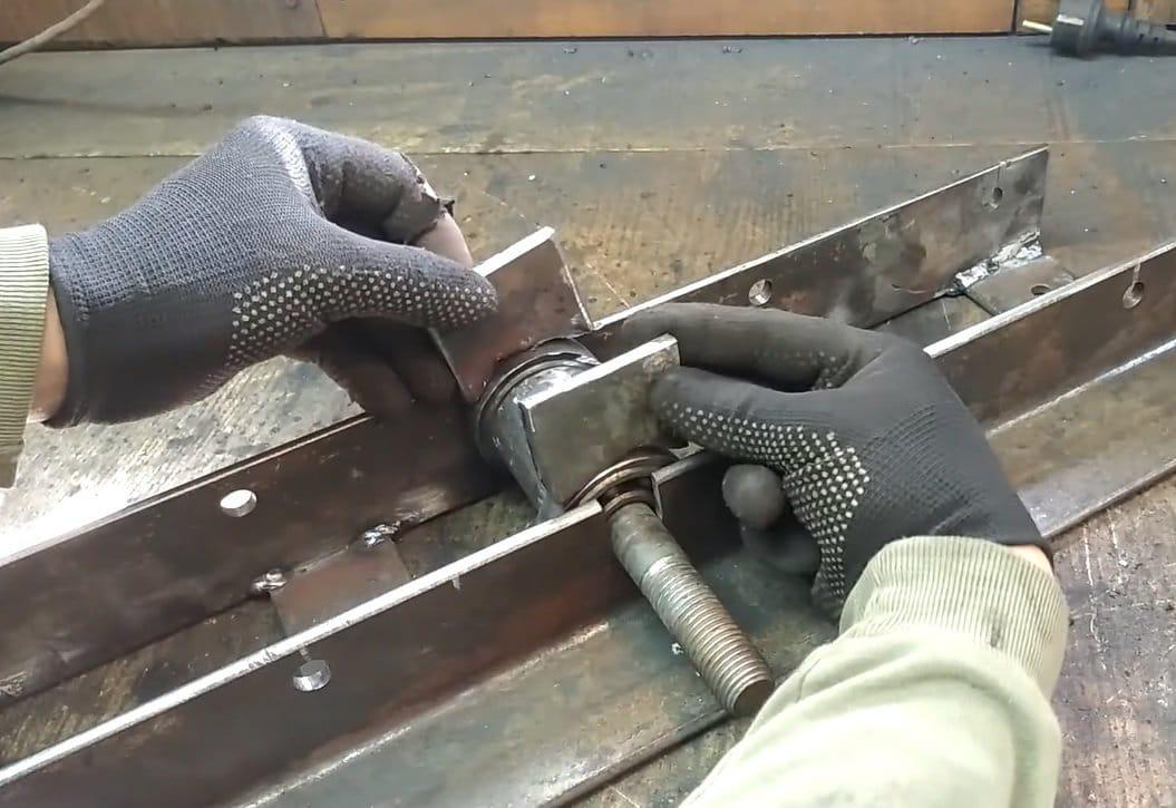 Profile pipe bender