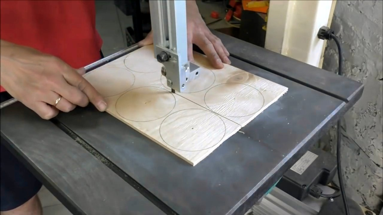 We make replaceable insert rings for the milling table