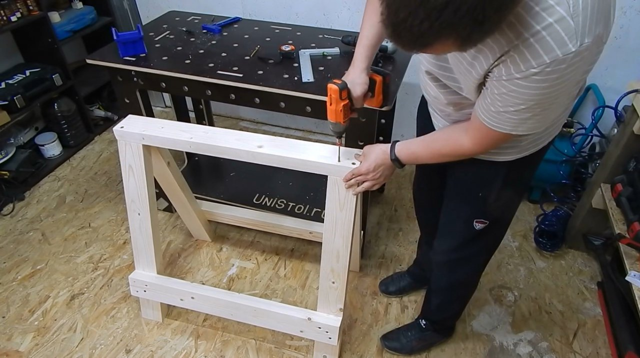 Do-it-yourself folding joinery trestles